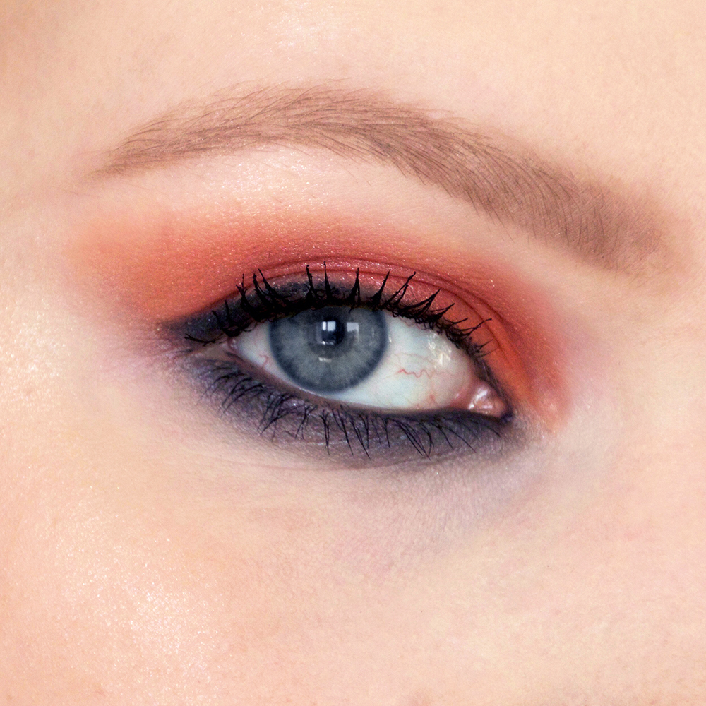 duo-eyeshadow_grey-eyes_detail