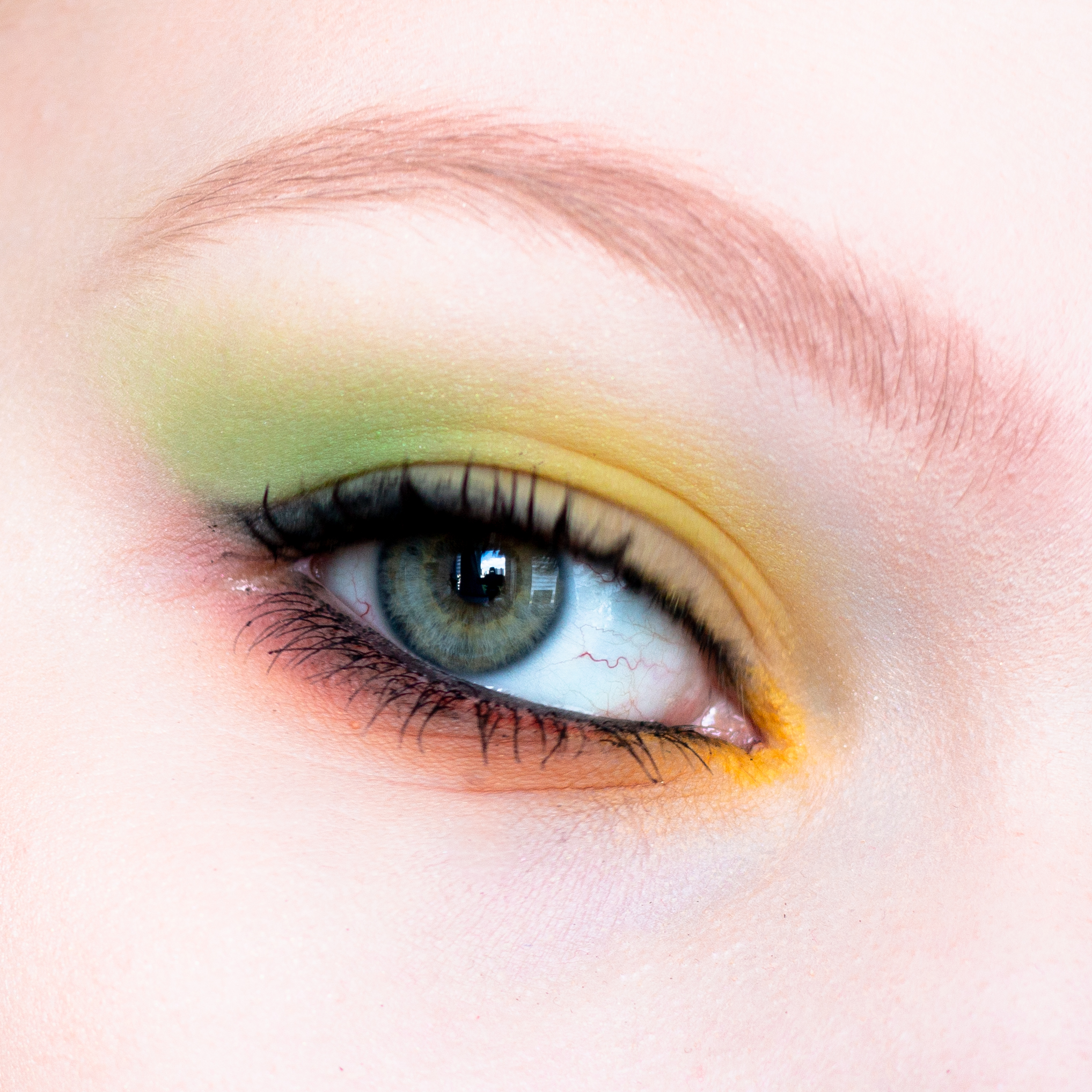 NYX-ultimate-shadow-palette_green-close